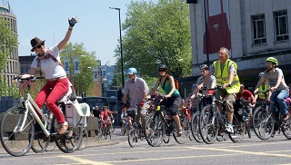 Space for Cycling ride 2014 flickr.comphotossamsaunders14207776955